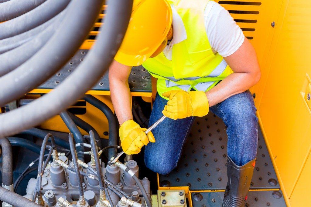 motor mechanic repairing mining machine motor