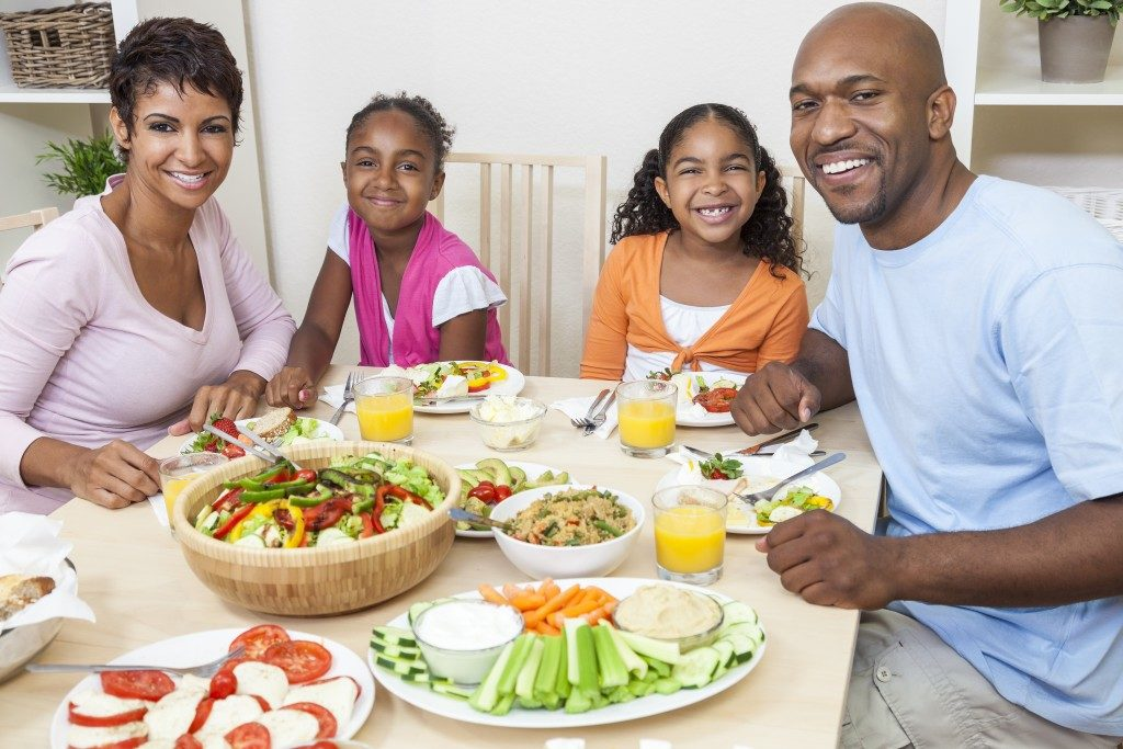 Family with healthy foods