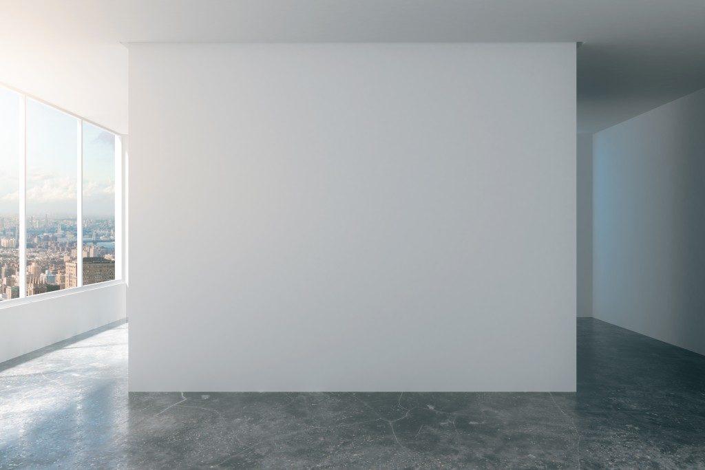 Room with Concrete floor